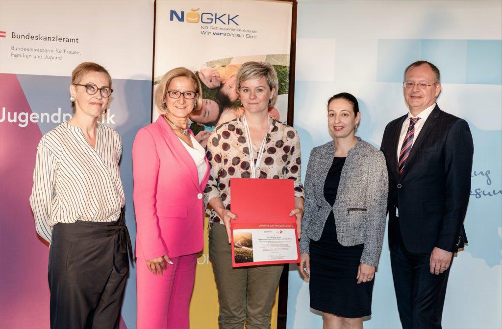 Die Fachhochschule Campus Wien – Department Gesundheitswissenschaften, vertreten durch Franziska Höhne, erhielt als neues Mitglied der ÖPGK eine Urkunde.
